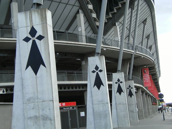 800px-Stade_Route_de_Lorient_hermines