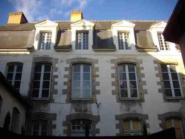 vannes_-_hotel_de_roscanvec