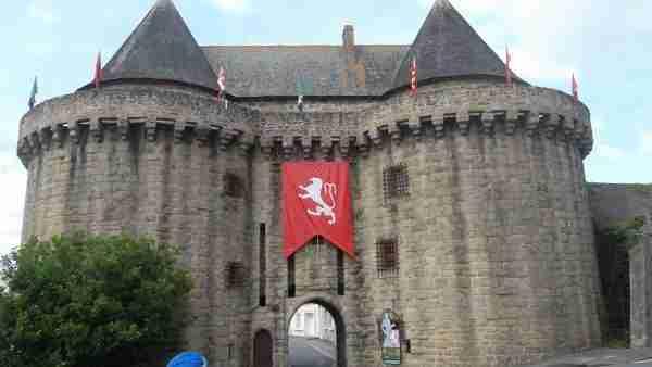 hennebont-tour-ber-brech-museum-jul12